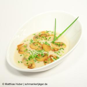 Cremesuppe aus frischen Champignons von Pilze Wohlrab