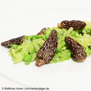 Spitzmorcheln von Pilze Wohlrab mit cremigem Wirsing