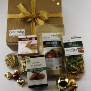 Geschenkset mit erlesenen Pilzen von vitalpilze-naturheilkraft.de für die Weihnachtszeit.