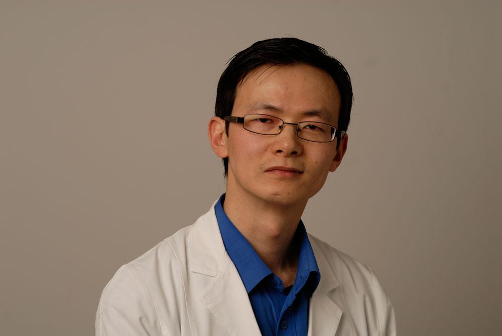 Apotheker Zhi Li