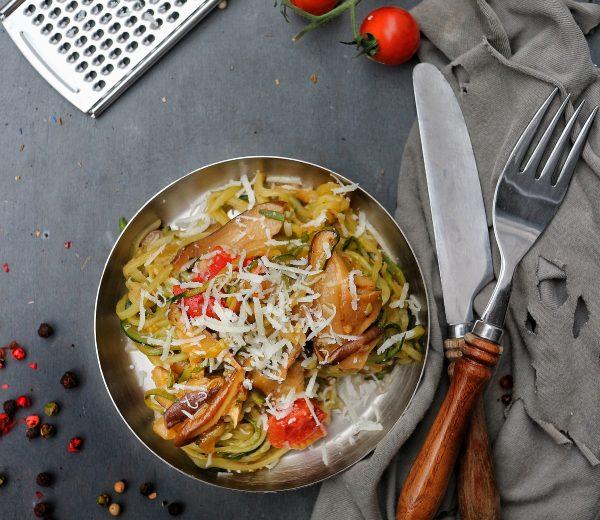 Zoodels mit Shiitake und Parmesan