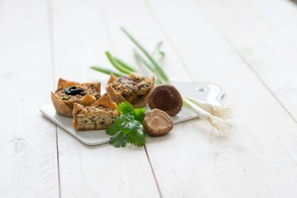 Kleine Tofu-Pilz-Quiches